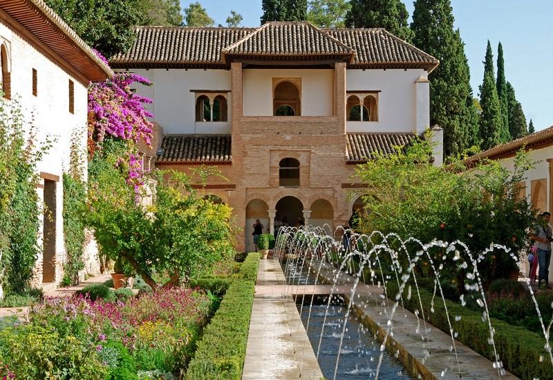 La alhambra y la conquista del agua for Jardines alhambra